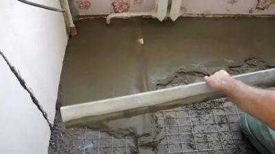 как залить пол на кухне