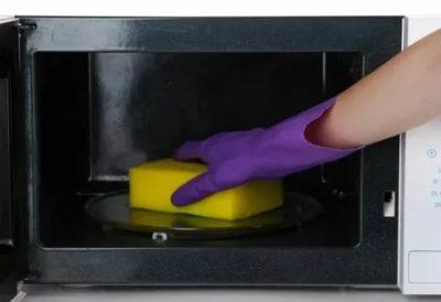 как очистить микроволновку внутри от жира