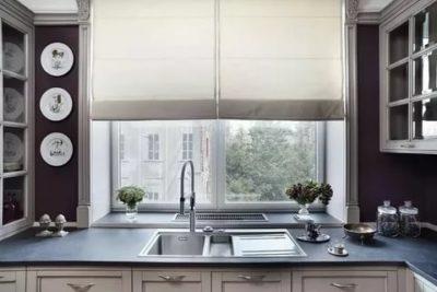как обыграть окно на кухне